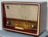 Philips B4F75 AM FM