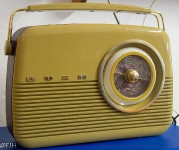 Bush TR82 Retro Radio